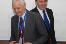 Бивши и садашњи гувернер Милојица Дакић и Радоје Жугић