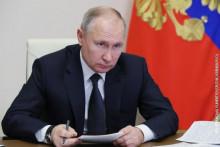 Путин потврдио да ће се вакцинисати