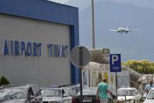 Novak Djokovic i porodica na Tivatski aerodrom