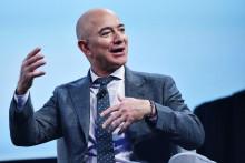 <p>učvrstio vođstvo na listi najbogatijih ljudi na svijetu</p>