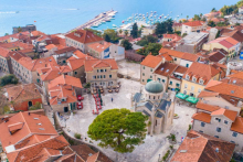 <p>Херцег Нови очекује бољу туристичку сезону</p>