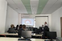 <p>Студенти одржали предавање</p>