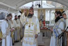 <p>Владика Методије служио литургију јуче на Осторгу</p>