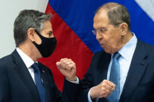 <p>Entoni Blinken i Sergej Lavrov u Rejkjaviku 19. maja 2021</p>