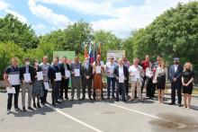 <p>Министар уручио признања дипломцима</p>