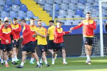 <p>Нови пех: Вујачић (први десно) на јучерашњем тренингу</p>