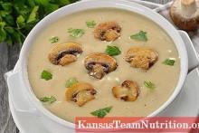 <p>Крем чорба од кромпира и печурки</p>