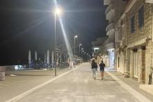 <p>Сутоморско шеталиште ноћу</p>
