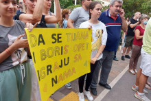 <p>Грађани на протесту</p>