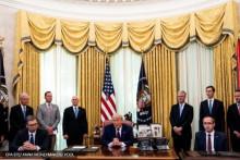 <p>Са потписивања Вашингтонског споразума</p>