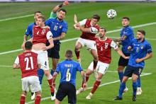 <p>Италијани кроз иглене уши до четвртфинала</p>