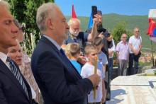 <p>Кривокапић на Видовданској литургији</p>