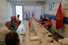 <p>Унија послодаваца са представницима такси удружења</p>