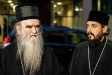 <p>Јовановић са митрополитом Амфилохијем</p>