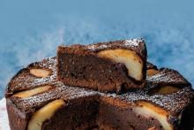 <p>Чоколадни колач са крушкама</p>