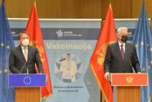 <p>Вархељи и Кривокапић недавно указали на то да чланство Црне Горе у ЕУ остаје важан циљ за обје стране</p>