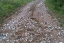 <p>Макадмски путеви на подручју Буковице тотално уништени</p>