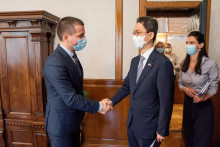 <p>Предсједник скупштине са амабсадором Кореје</p>
