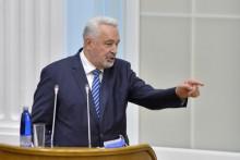 <p>Кривокапић на премијерском сату на Цетињу</p>