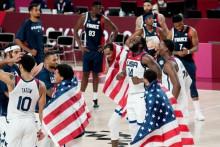 <p>Славље америчких кошаркаша</p>