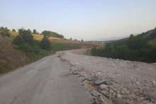 <p>Радови на путном правцу Пљевља - Чајниче далеко од завршетка</p>