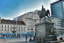 <p>Трг бана Јелачића у Загребу</p>