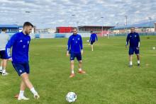 <p>Ћуковић на тренингу са Раичковићем и шефом Недовићем</p>