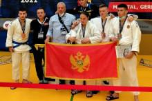 <p>Црногорски такмичари и тренери у Њемачкој</p>