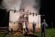 <p>Гашење пожара у селу Каменци</p>