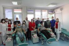 <p>Дио учесника недавно одржане акције добровољног давалаштва крви у Беранама</p>