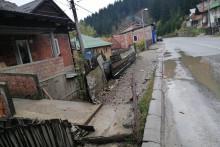 <p>Водом угрожене куће и дворишта</p>